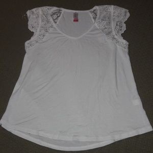Women's sz Med lacey soft white summer top NEW
